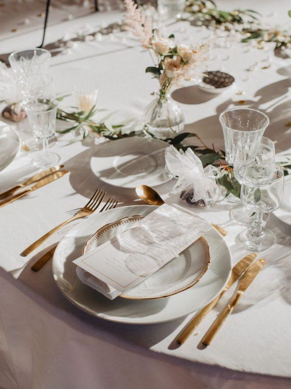 Table Mariage Bastide Du Roy Couverts Dorés